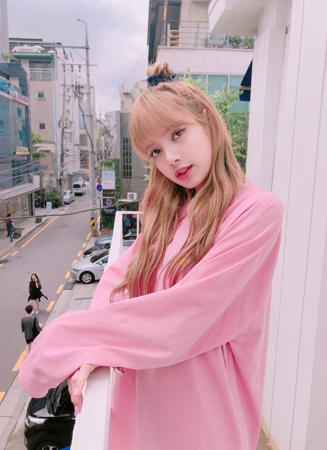 """7 kiểu tóc búi """"mix"""" phụ kiện xinh xẻo của loạt mỹ nhân Hàn, bạn học theo thì tóc tai sẽ chẳng bao giờ 'chán đời' - Ảnh 12"""