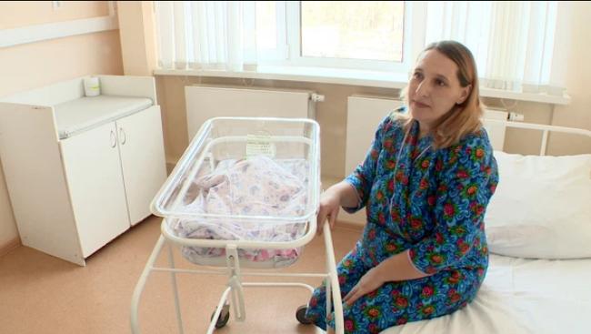Mang thai 33 tuần mà không hay biết, nhưng bất ngờ hơn là em bé không hề nằm trong tử cung của mẹ - Ảnh 1