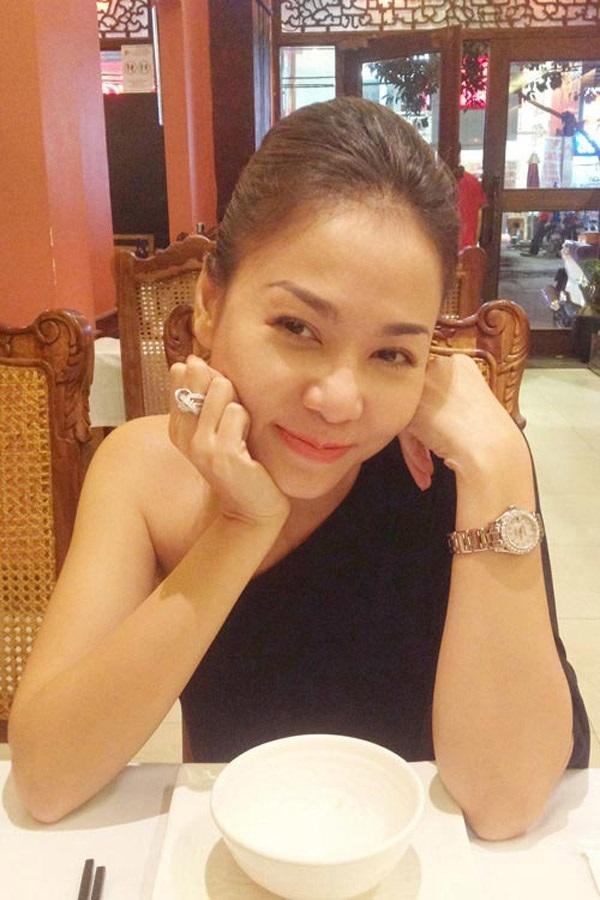 Những mỹ nhân nào đang sở hữu nhẫn kim cương lớn nhất showbiz Việt? - Ảnh 8