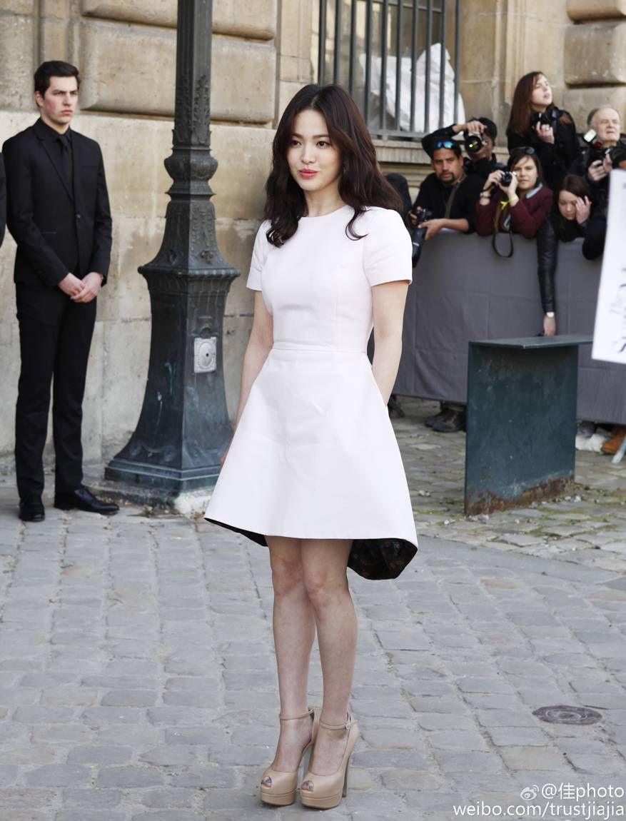 Rút kinh nghiệm từ Song Hye Kyo, chị em sẽ biết mẫu giày nào nên - không nên diện nếu sở hữu cặp chân ngắn và hơi thô - Ảnh 9