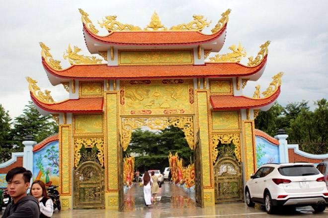 Phía sau nhà thờ Tổ 100 tỷ của Hoài Linh và biệt thự 60 tỷ của Mr Đàm là gì? - Ảnh 13