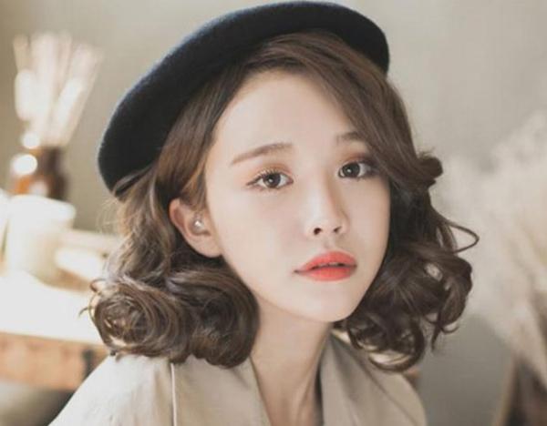 Kiểu tóc ngắn xoăn 'tân thời' giúp nàng nâng tầm nhan sắc - Ảnh 2