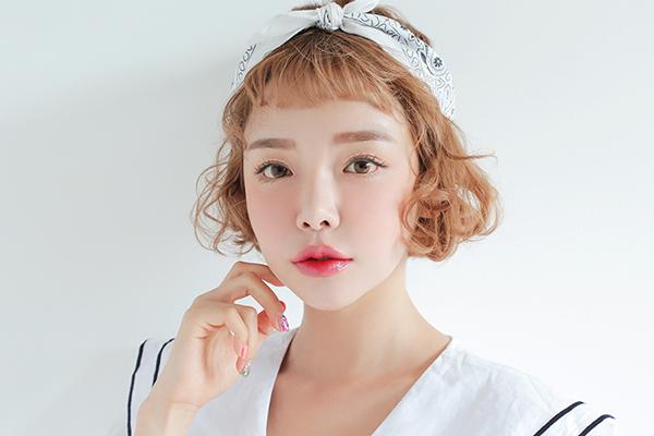 Kiểu tóc ngắn xoăn 'tân thời' giúp nàng nâng tầm nhan sắc - Ảnh 13