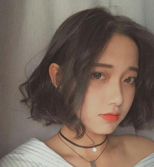 Kiểu tóc ngắn xoăn 'tân thời' giúp nàng nâng tầm nhan sắc - Ảnh 10