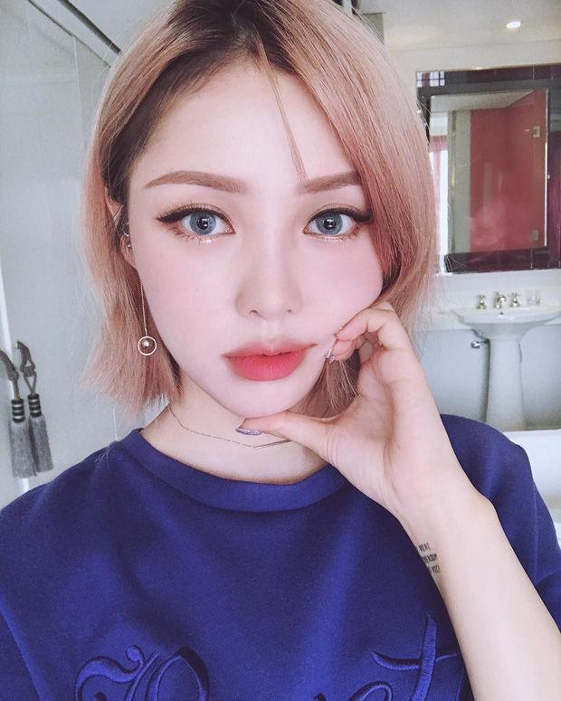 Muốn make up trong veo như idol, học ngay cách đánh nền của Song Ji Hyo - Ảnh 13