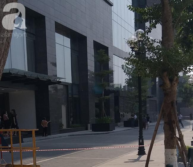 Hà Nội: Một người đàn ông nghi tử vong bất thường dưới sân tòa nhà cao cấp - Ảnh 2