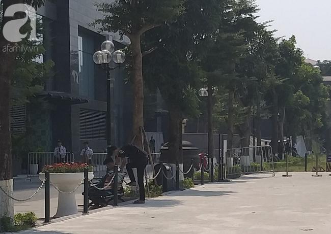 Hà Nội: Một người đàn ông nghi tử vong bất thường dưới sân tòa nhà cao cấp - Ảnh 3
