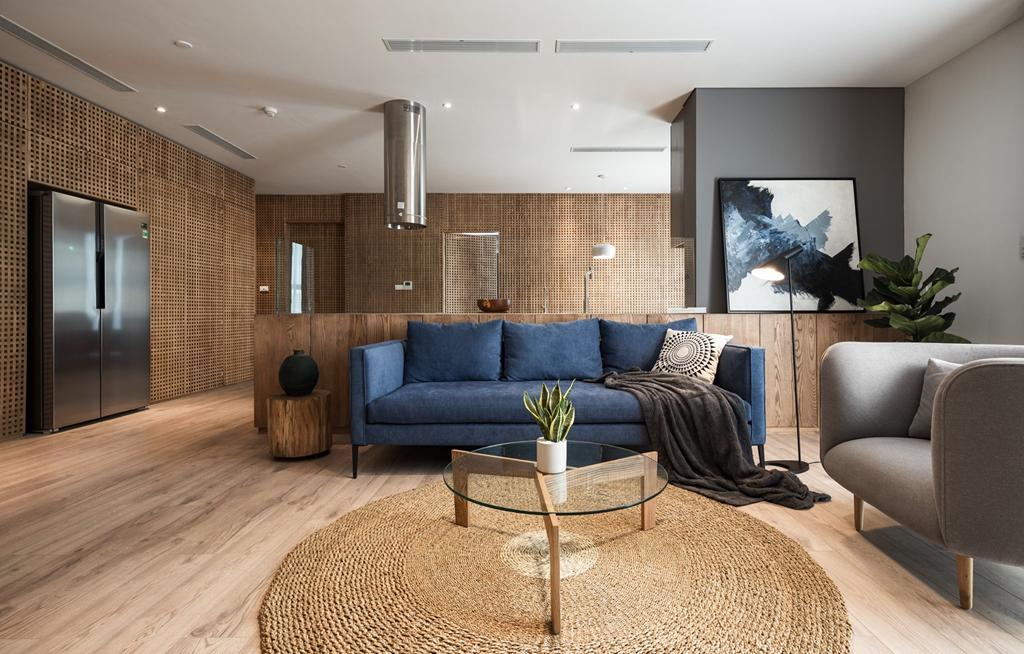 Căn hộ view Hồ Tây được cải tạo với nội thất gỗ tần bì - Ảnh 1