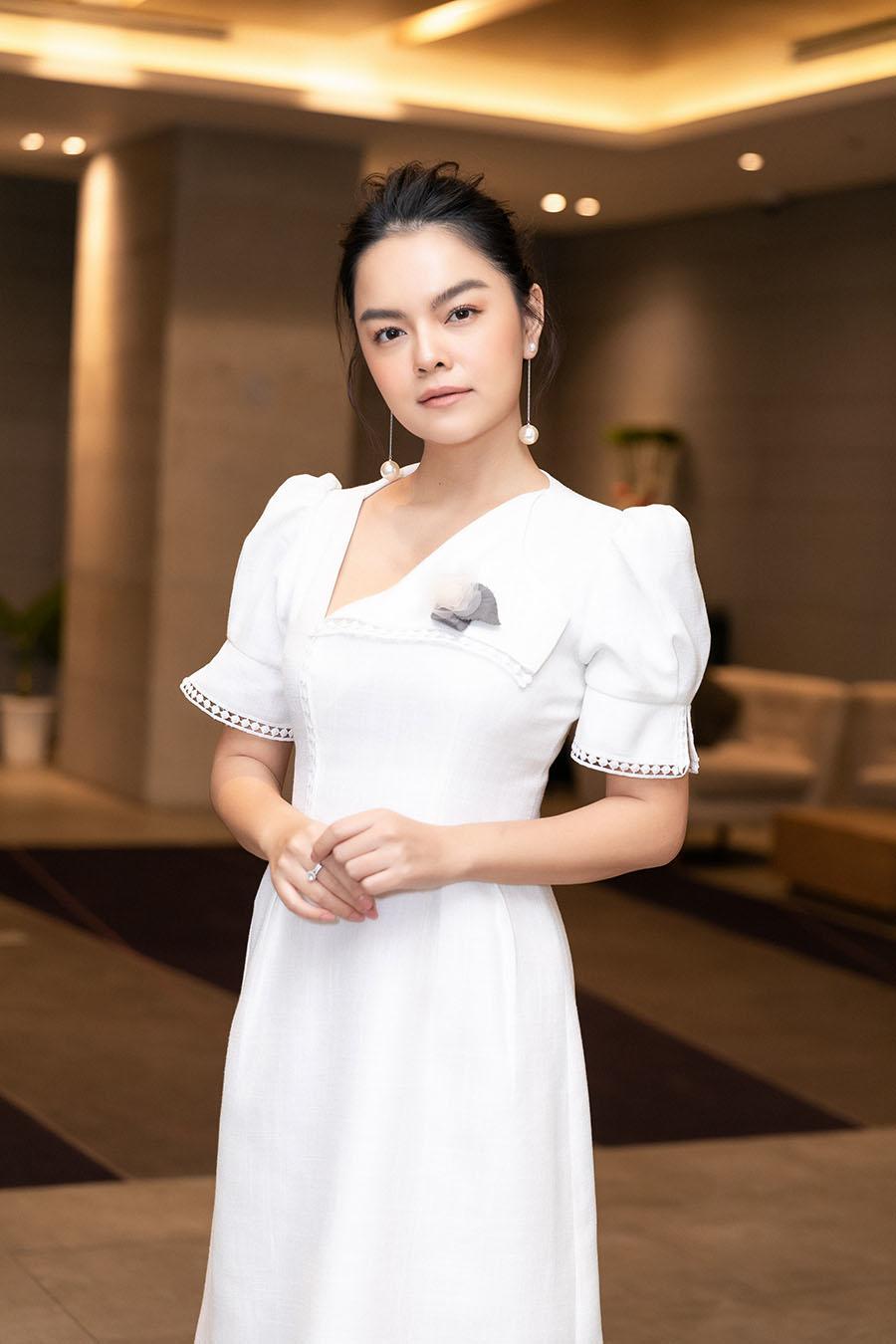 Phạm Quỳnh Anh nghẹn ngào kể lại phản ứng của con gái 6 tuổi khi biết bố mẹ ly hôn - Ảnh 1