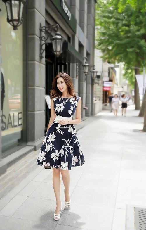 4 quy tắc ăn mặc cần nhớ khi phối đồ đi chơi lễ, phụ nữ hiện đại không nên bỏ qua - Ảnh 2
