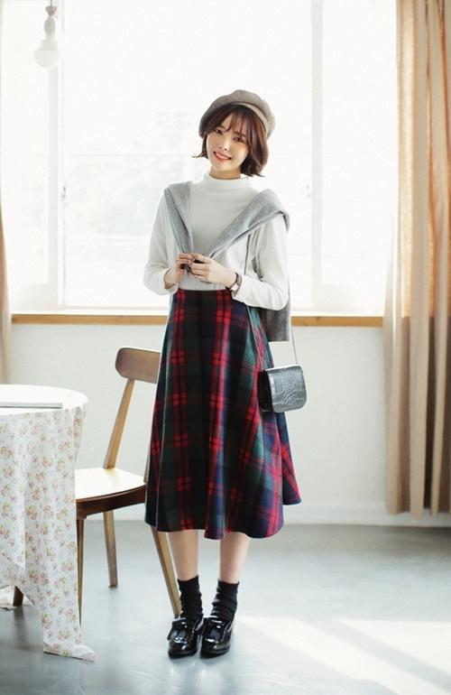 4 quy tắc ăn mặc cần nhớ khi phối đồ đi chơi lễ, phụ nữ hiện đại không nên bỏ qua - Ảnh 4