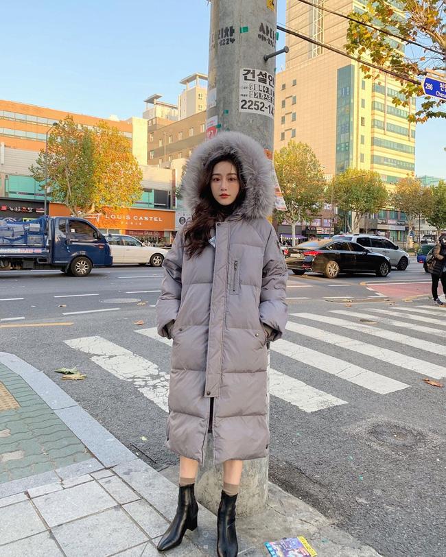 Không chỉ giúp nâng trình mix đồ, street style Châu Á tuần này cực 'lãi' với cả tá gợi ý mặc đẹp cuối năm - Ảnh 1
