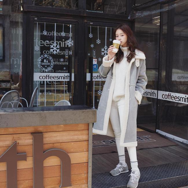 Không chỉ giúp nâng trình mix đồ, street style Châu Á tuần này cực 'lãi' với cả tá gợi ý mặc đẹp cuối năm - Ảnh 8