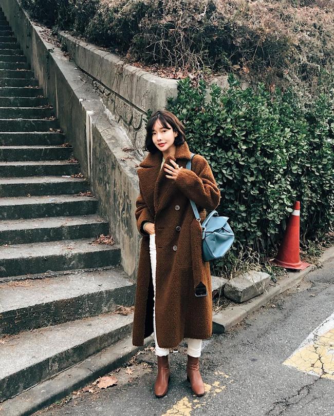 Không chỉ giúp nâng trình mix đồ, street style Châu Á tuần này cực 'lãi' với cả tá gợi ý mặc đẹp cuối năm - Ảnh 9