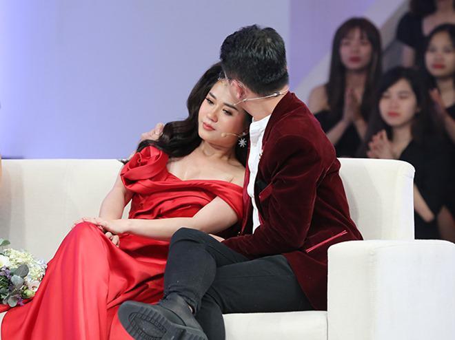 2 lần sinh mổ chồng không bên cạnh, Lâm Vỹ Dạ bật khóc vì lời xin lỗi của ông xã - Ảnh 3