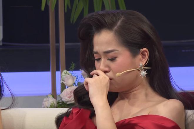 2 lần sinh mổ chồng không bên cạnh, Lâm Vỹ Dạ bật khóc vì lời xin lỗi của ông xã - Ảnh 4