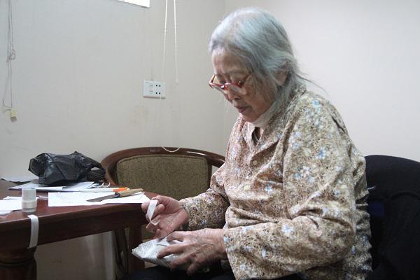 """Cụ bà ly hôn ở tuổi 86 vì chồng cả đời không rửa bát: """"Giờ tôi được là chính mình"""" - Ảnh 1"""