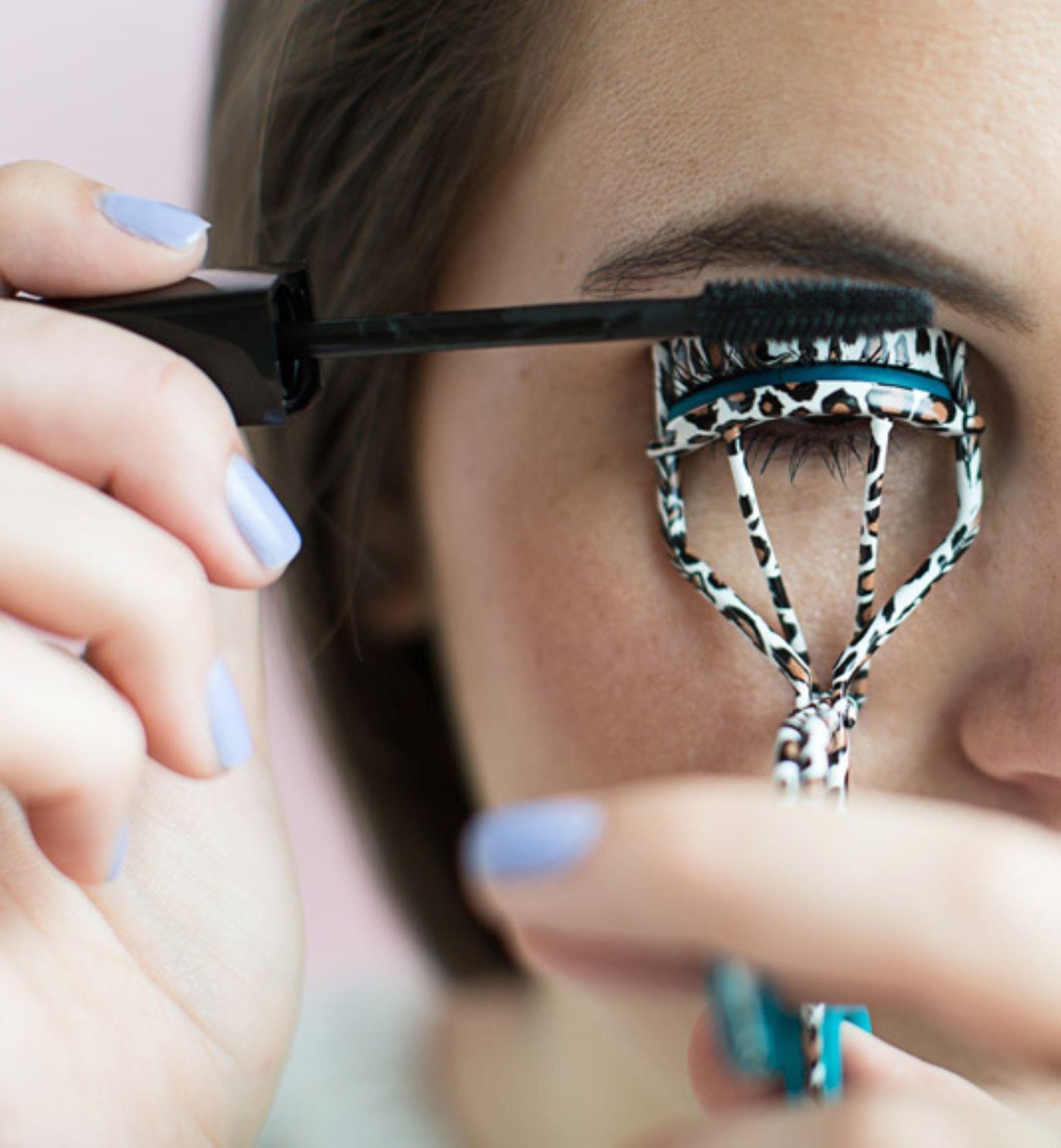 Cứ duy trì những thói quen xấu này chỉ khiến lông mi của bạn nhanh gãy rụng - Ảnh 1