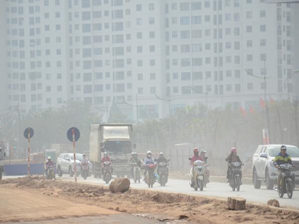 Không khí Hà Nội những ngày giáp Tết chạm mức nguy hại: Nếu không đeo khẩu trang khi ra đường là bạn sẽ lĩnh đủ hậu quả - Ảnh 1