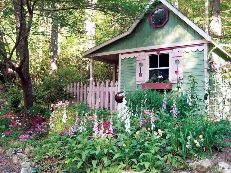 8 mẹo đơn giản thiết kế nhà kho phía sân sau thành góc thư giãn đẹp như tranh vẽ - Ảnh 2