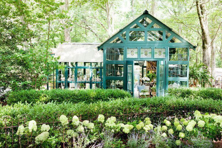 8 mẹo đơn giản thiết kế nhà kho phía sân sau thành góc thư giãn đẹp như tranh vẽ - Ảnh 7
