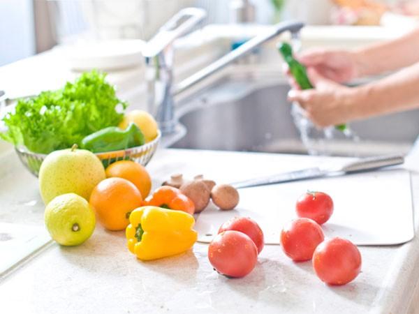 Ăn sạch, giảm cân với salad nhưng nếu cứ mắc những lỗi sau coi chừng phản tác dụng - Ảnh 2