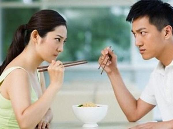 Khi cãi nhau, người đàn ông làm được 6 việc này thì mới xứng đáng làm chồng - Ảnh 1