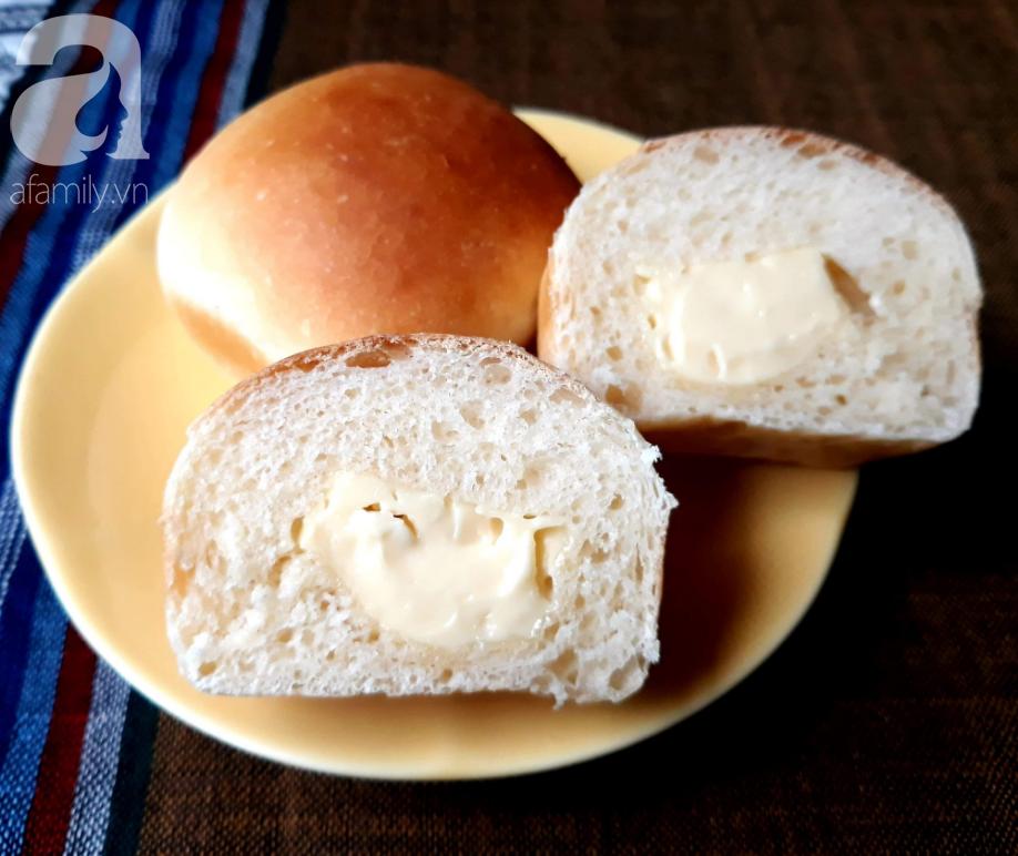 Hễ cuối tuần là con tôi đòi mẹ làm bánh mì phô mai mini cho ăn, loáng cái đã hết bay - Ảnh 6