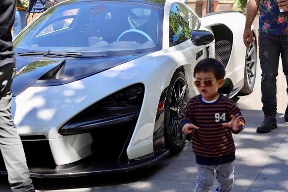 Mới hai tuổi, con trai Đan Trường đã có sở thích xa xỉ - Ảnh 3