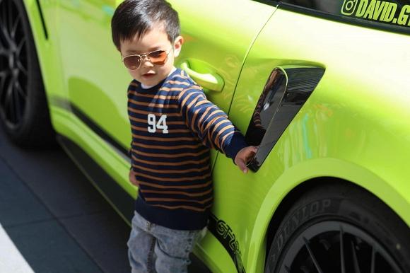 Mới hai tuổi, con trai Đan Trường đã có sở thích xa xỉ - Ảnh 4