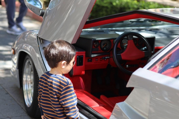 Mới hai tuổi, con trai Đan Trường đã có sở thích xa xỉ - Ảnh 7