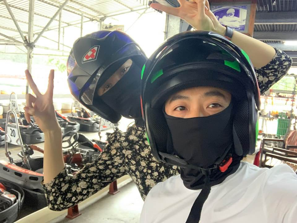 Phản ứng bất ngờ của mẹ Đàm Thu Trang khi Cường Đô la đưa Subeo và con gái cùng đi đua xe - Ảnh 3
