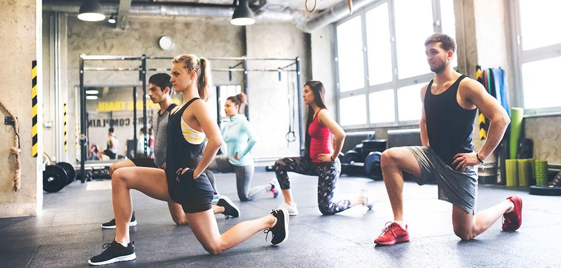 Nhảy cắt kéo - bài tập đơn giản giúp làm săn chắc toàn bộ cơ thể - Ảnh 2
