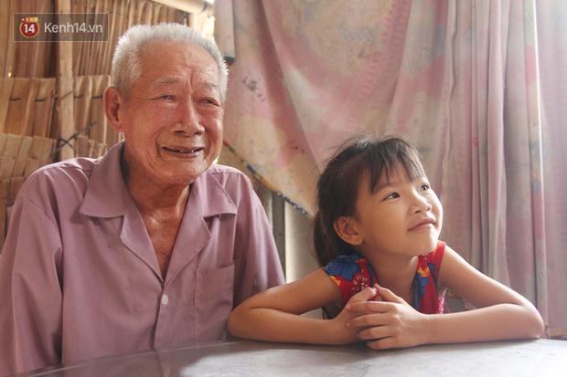 Bố mất được 2 năm thì mẹ qua đời, đứa trẻ 7 tuổi côi cút bên bàn thờ đợi anh chị đi làm thuê kiếm tiền về trả nợ - Ảnh 6