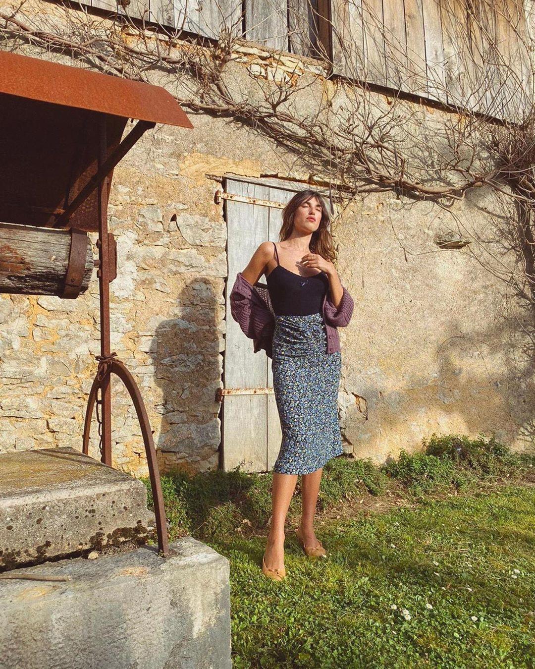 4 mẫu chân váy xinh như mộng được phụ nữ Pháp si mê từ năm này qua tháng khác, bạn sắm theo là style đã 'lên đời' rồi - Ảnh 8