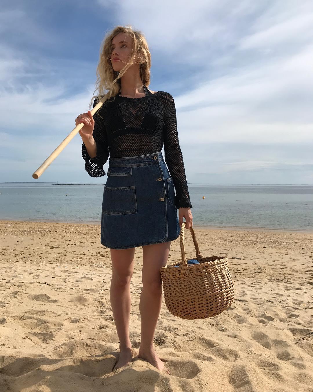4 mẫu chân váy xinh như mộng được phụ nữ Pháp si mê từ năm này qua tháng khác, bạn sắm theo là style đã 'lên đời' rồi - Ảnh 12