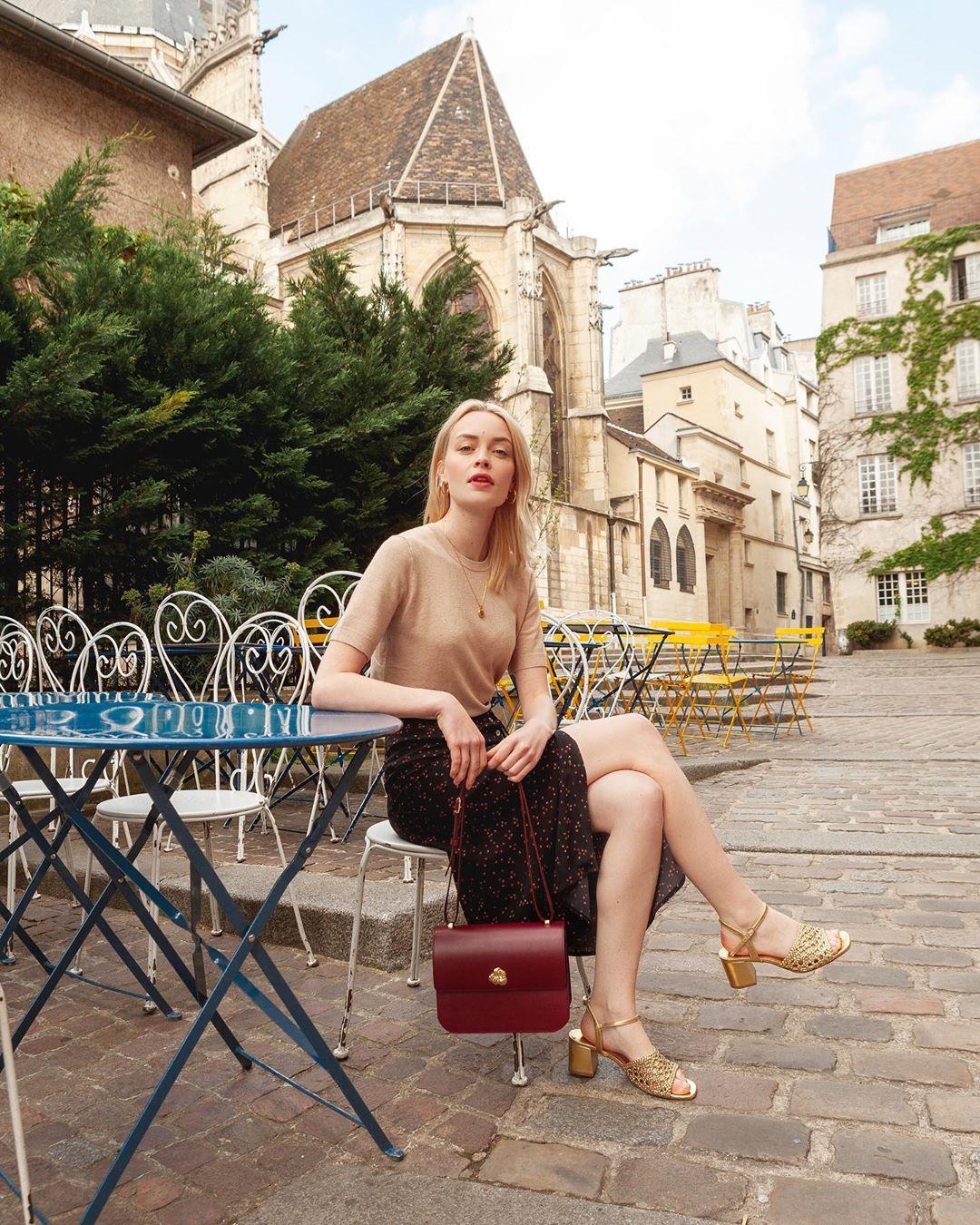 4 mẫu chân váy xinh như mộng được phụ nữ Pháp si mê từ năm này qua tháng khác, bạn sắm theo là style đã 'lên đời' rồi - Ảnh 3