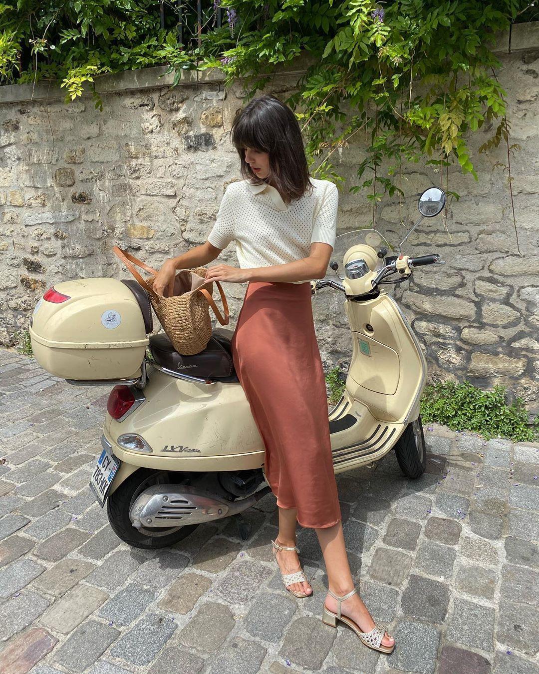 4 mẫu chân váy xinh như mộng được phụ nữ Pháp si mê từ năm này qua tháng khác, bạn sắm theo là style đã 'lên đời' rồi - Ảnh 5