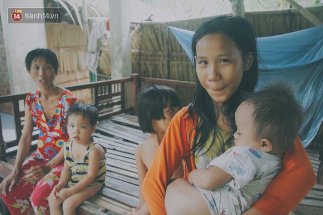 5 đứa trẻ đói ăn bên người mẹ khờ mang bụng bầu 7 tháng: 'Con không muốn mẹ sinh em nữa, nhà con nghèo lắm rồi' - Ảnh 2