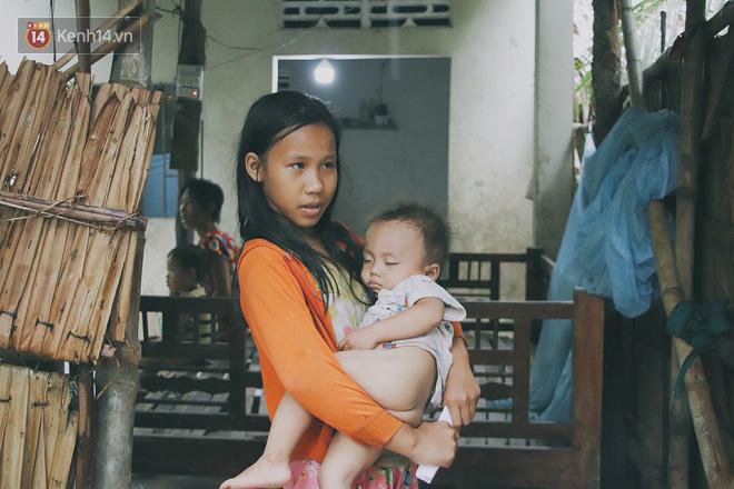 5 đứa trẻ đói ăn bên người mẹ khờ mang bụng bầu 7 tháng: 'Con không muốn mẹ sinh em nữa, nhà con nghèo lắm rồi' - Ảnh 15