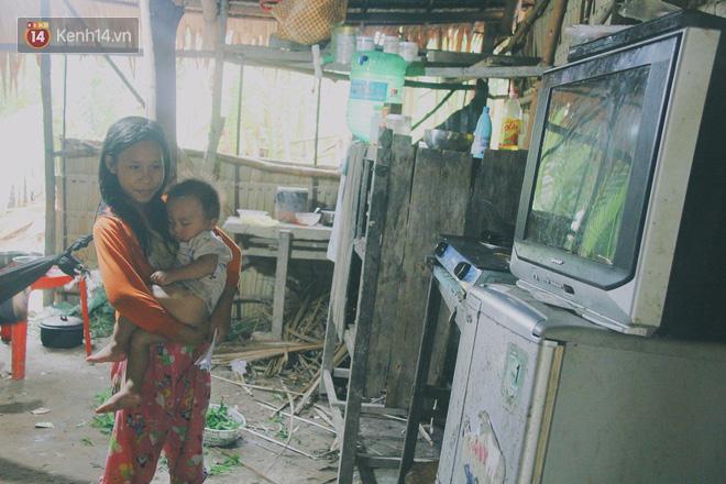5 đứa trẻ đói ăn bên người mẹ khờ mang bụng bầu 7 tháng: 'Con không muốn mẹ sinh em nữa, nhà con nghèo lắm rồi' - Ảnh 7