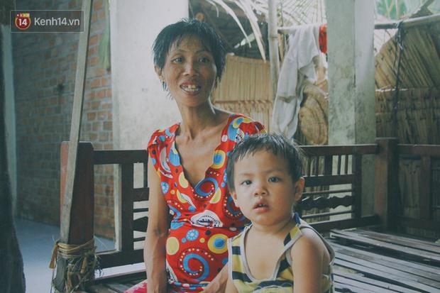 5 đứa trẻ đói ăn bên người mẹ khờ mang bụng bầu 7 tháng: 'Con không muốn mẹ sinh em nữa, nhà con nghèo lắm rồi' - Ảnh 9