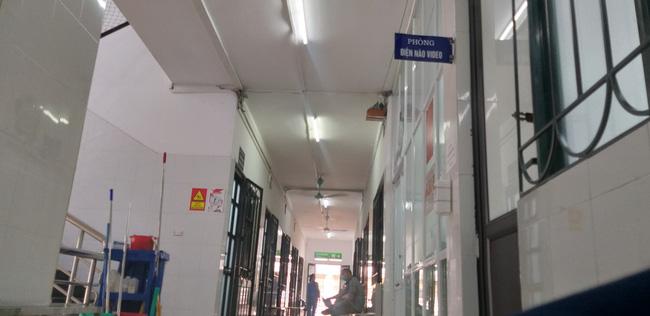 Bệnh viện Bạch Mai: Nghi vấn 'cắt xén' thời gian điện não video cho bệnh nhân tâm thần từ 12 tiếng xuống còn 40 phút - Ảnh 2