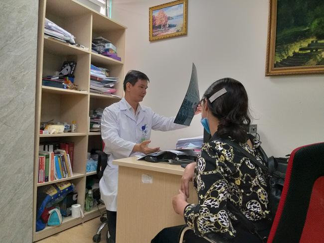 Bệnh viện Bạch Mai: Nghi vấn 'cắt xén' thời gian điện não video cho bệnh nhân tâm thần từ 12 tiếng xuống còn 40 phút - Ảnh 3