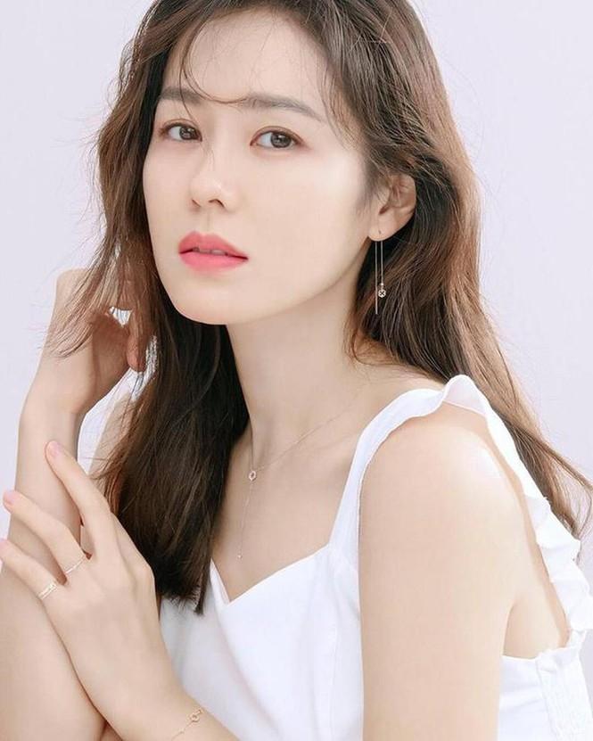 """""""Chị đẹp"""" Son Ye Jin lại gây sốt MXH với loạt hình mới, nhìn qua mới hiểu vì sao cô luôn dẫn đầu trong đường đua nhan sắc - Ảnh 3"""