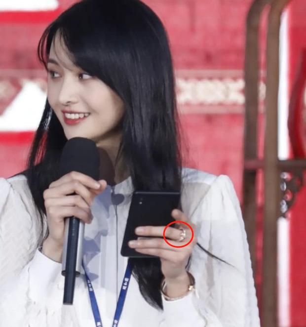 Không chỉ có Song Hye Kyo - Hyun Bin, Cbiz đang sốt xình xịch với nghi vấn 1 cặp đôi cực kỳ hot tái hợp - Ảnh 3