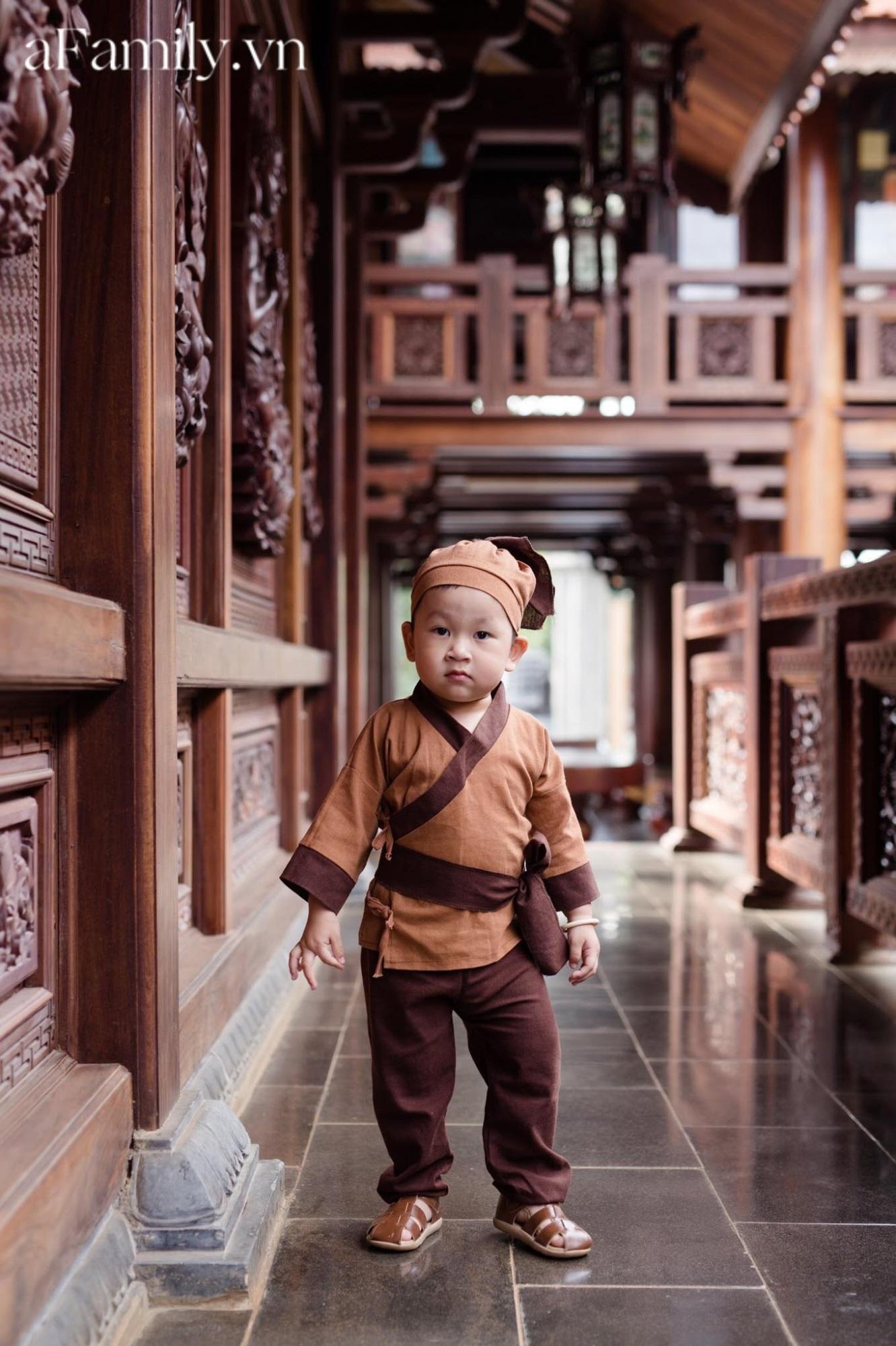 Mua cho cháu bộ quần áo mới, dì cứ ngỡ mặc vào sẽ đẹp trai như Hàn Quốc, ai ngờ bé 'lên đồ' thì cả nhà cười nguyên buổi tối - Ảnh 4
