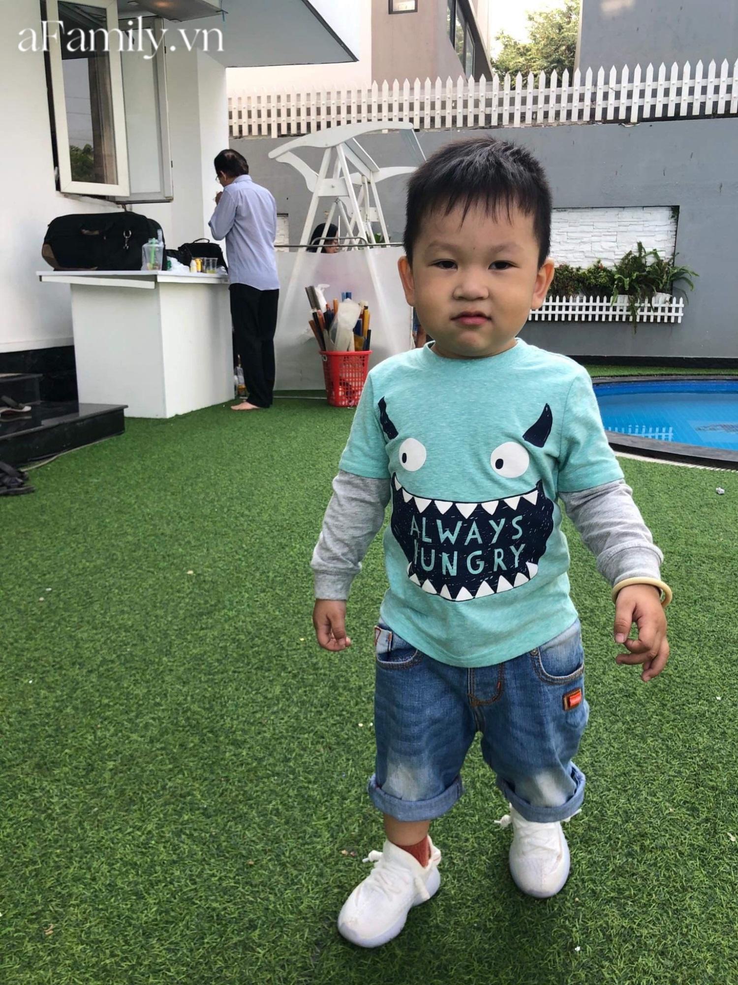 Mua cho cháu bộ quần áo mới, dì cứ ngỡ mặc vào sẽ đẹp trai như Hàn Quốc, ai ngờ bé 'lên đồ' thì cả nhà cười nguyên buổi tối - Ảnh 6