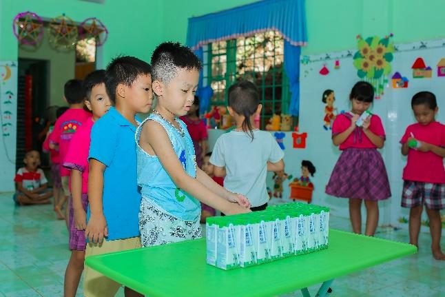 Nhân rộng niềm vui mang tên 'sữa học đường' - Ảnh 2