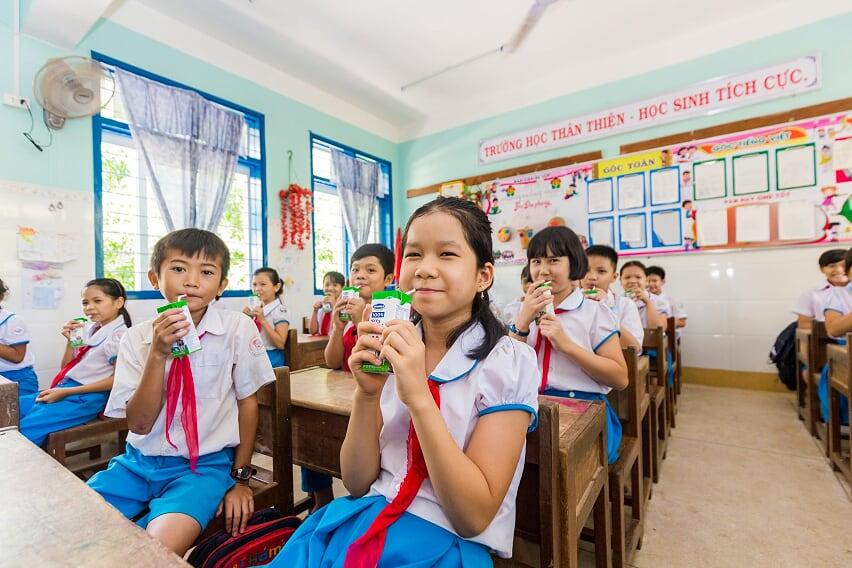 Nhân rộng niềm vui mang tên 'sữa học đường' - Ảnh 9
